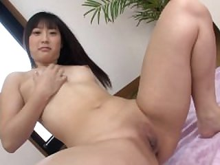 Hot Asian Girl Babe Tomomi Aoyagi.